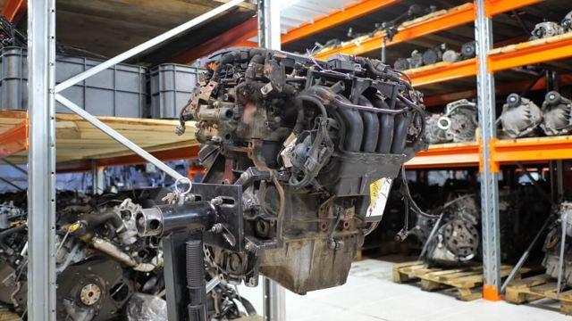 Замена клапанной крышки Opel Astra H (плавают обороты)