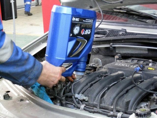 Замена масла в двигателе Лада Ларгус: инструкция, объем