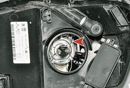 Замена ламп вблок-фаре Volkswagen Polo седан