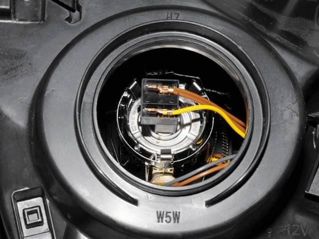 Замена ламп вблок-фаре Renault Duster