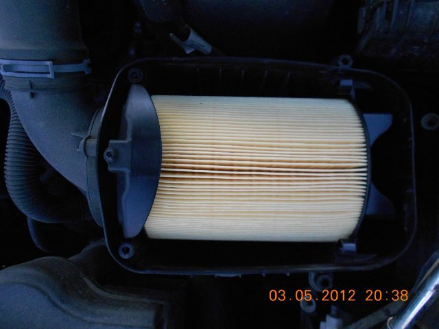 Все о замене воздушного фильтра в автомобиле skoda octavia a5 — фото и видео