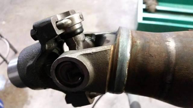 Замена крестовины карданного вала Рено Дастер