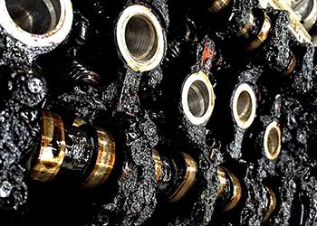 Замена масла в двигателе Ниссан Тиида: инструкция, объем