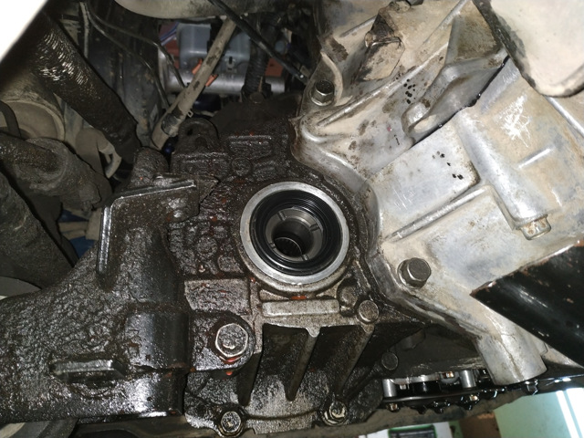 Выполняем замену масла в коробке автомат Kia Sportage 3 2012 г, в
