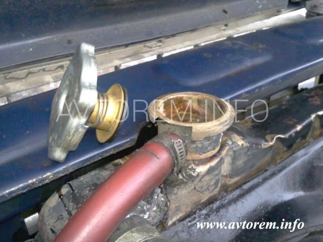 Замена тосола ВАЗ 2101: инструкция, слив, промывка, залив
