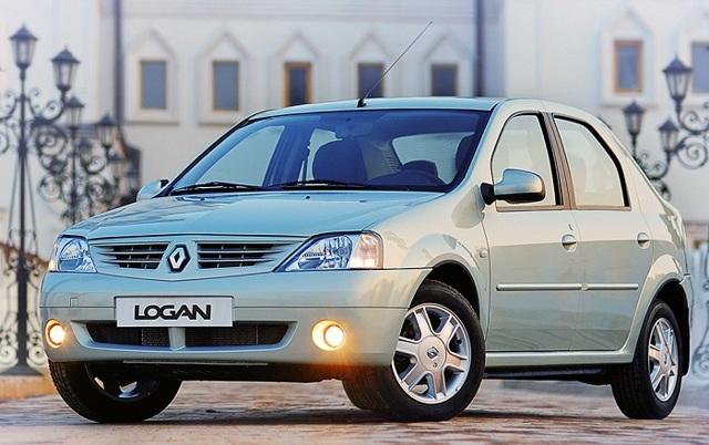 Renault Logan ></noscript> Настоящий пробег логана» width=»640″ height=»402″ class=»size-full aligncenter» /> </p> <p>Сегодня мы поговорим о том, как стоит выбирать подержанный Логан второго поколения. О первой генерации было сказано уже очень много, а вот о подборе второй версии седана на вторичном рынке пока говорят немногие. Причина тому — сравнительная молодость машины.</p> <p> Только 4 года назад седан презентовали российскому рынку, и вот сегодня уже появилось достаточно много предложений на вторичном рынке с вариантами приобретения такого автомобиля.</p> <p> Так что пришло время рассказать о том, куда лучше всего смотреть при выборе подержанного Logan II, стоит ли вообще покупать его при определенном пробеге, а также есть ли смысл выбирать конкретные двигатели.</p> <p> Сегодня мы затронем все основные аспекты подбора и покупки подержанного Логана с пробегом. Это также может натолкнуть вас на мысль о том, что есть смысл расширить кругозор и посмотреть на другие машины на вторичке для сравнения.</p> <h3>Почему стоит обратить внимание на подержанный Логан?</h3> <p>Этот автомобиль покупали для самых разных целей, очень много авто было приобретено для коммерческой эксплуатации.</p> <p> Но все же Логан остается одним из самых популярных вариантов покупки для семьи, у которой просто нет денег на более дорогой автомобиль.</p> <p> Это значит, что 20-30% машин из всех купленных на российском рынке имеют минимальные пробеги, а многие владельцы ухаживают за этими автомобилями лучше, чем за собой. Поэтому можно найти отличные варианты на рынке.</p> <p>Также есть другие причины для покупки такого авто:</p> <ul> <li>это практичный и надежный автомобиль, у которого практически нет детских болезней (подробнее об этом ниже), Renault не экспериментировали с даунсайзингом и другими модными трендами;</li> <li>компания обеспечила более или менее качественную сборку как на Автофрамосе первых моделей, так и на конвейере в Тольятти, вопросов к точности сборочных процессов почти не во