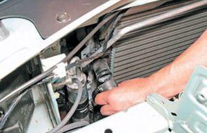 Замена радиатора кондиционера Renault Logan