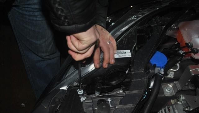 Замена габаритной лампочки Форд Фокус 3