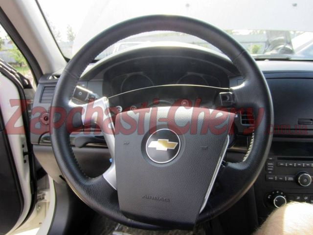 Как снять рулевое колесо на автомобиле Chevrolet Cruze?