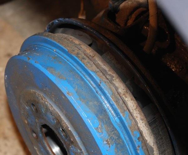 Замена задних тормозных колодок Форд Фокус 2 барабанные тормоза видео
