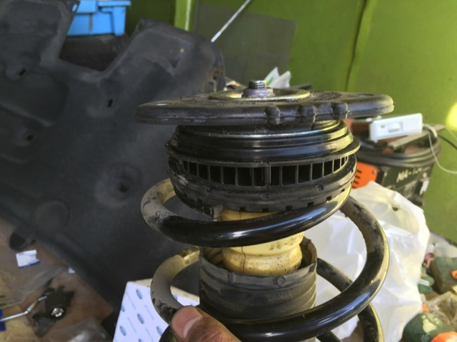 Замена опорного подшипника Форд Фокус 2 своими руками