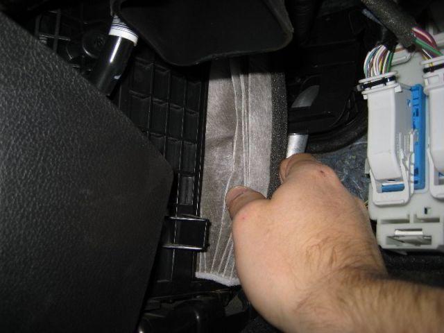 Замена фильтра салона Ford Focus 3
